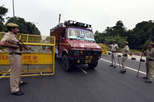 Delhi police said that the traffic advisories doing rounds on social media were fake and urged people not to believe in rumours.