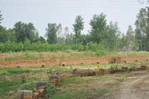 The market rate of the land in question was between Rs 15 lakh to Rs 17 lakh per acre.