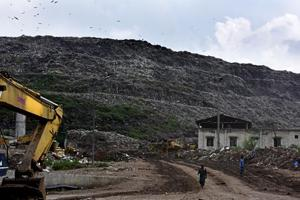 The decision to stall dumping at Ghazipur was taken after tonnes of waste collapsed into a canal, killing two people on Friday.  The DDA had allotted 150 acres of land at Ghonda Gurjan to EDMC for setting up a sanitary landfill site (SLF).