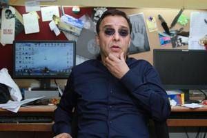 Filmmaker Vidhu Vinod Chopra is playing with the idea of directing  a Bollywood film.