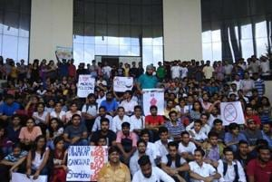 The university's alumni body has extended support to the protesting students.