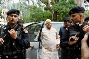 RJD chief Lalu Prasad Yadav arrives to appear in Special CBI Court in connection with the fodder scam case, in Ranchi on August 31.