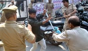 Gorakhpur University students clash with police in protest against the state government not announcing students union elections in Gorakhpur.