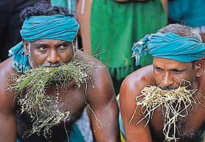 A file photo of Tamil Nadu farmers protesting at Jantar Mantar in Delhi. Ten of their men, including their leader P Ayyakannu, took the drastic step on Sunday.