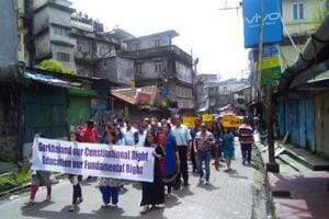 A few hundred teachers from private and government-run schools in  Darjeeling, Kalimpong and Kurseong taking part in the rally on Saturday.