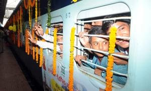 Railways to run 4,000 special trains this festive season: Minister...
