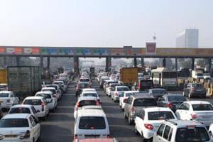 Long queues at the Kherki Daula toll plaza in Gurgaon.