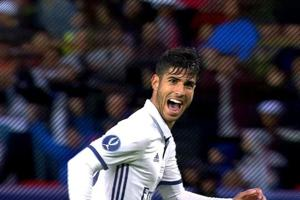 Marco Asensio got injured while shaving his legs before a match and social media couldn't help but mock him.