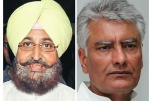 Partap Singh Bajwa (left) lost the 2014 Lok Sabha contest from Gurdaspur, while Sunil Jakhar lost from Ferozepur.
