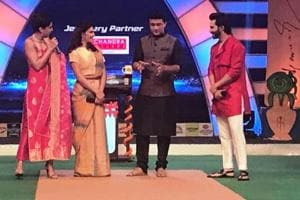 Varun, Taapsee, Jacqueline make Sourav Ganguly dance to Oonchi Hai...