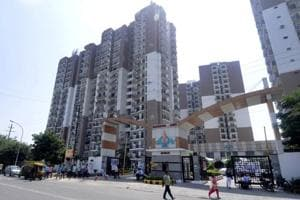 Flat delivery plan to be ready by Thursday, promises Noida CEO