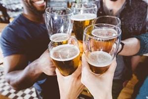 Students, take note: Study finds binge drinking in college lowers job...