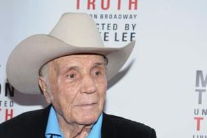 Jake LaMotta, boxer who inspired Raging Bull, dies: Robert De Niro,...
