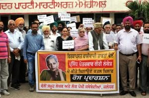 Writers and social activists protest the murder of Gauri Lankesh at Jalandhar recently.