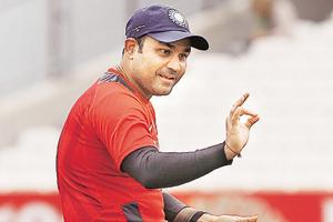 Virender Sehwag, Jhulan Goswami ring bell at Eden ahead of India v...