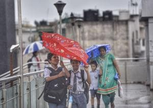 Pleasant weekend in store for Delhi as rain likely to keep temperature...