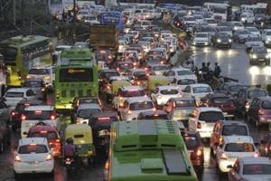 Rain brings down mercury level in Noida but brings traffic to halt