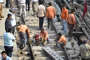 2 coaches of empty Agra-Gwalior passenger train derail in Agra