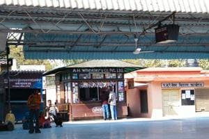 Books on Indian culture, morals now 'must' at railway platform, kiosks