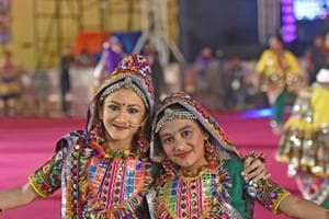 Noise-free garba, performances by famous singers: Best Mumbai  places...