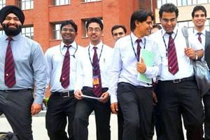 Nearly 2.31 lakh candidates have registered for India's biggest MBA entrance test, the Common Admission Test to be conducted by IIM-L on November 26.