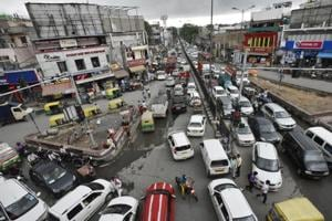 760 vehicle owners challaned on day one of drive to decongest Delhi