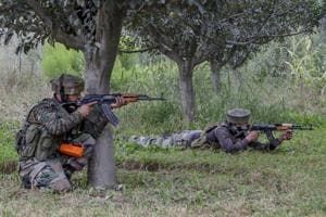 Indian soldiers pushed back a group of Pakistani intruders in Jammu and Kashmir's Keran on Tuesday.