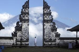 Volcano eruption in Bali imminent, countries issue travel advisories...
