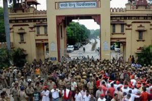 Police didn't attack girls, only drove away anti-socials: BHU vice...