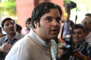 Minister Ahir hits out at Varun Gandhi for his 'asylum for Rohingyas'...