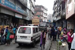 The narrow lanes of Kurseong was bustling with activity on Wednesday after a 104-day-long shutdown in the Darjeeling hills was called off.