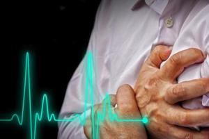 A sedentary lifestyle, smoking and consumption of alcohol are factors that increase the risk of cardiovascular disease.