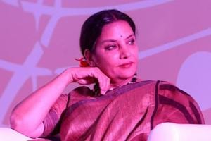 Actor Shabana Azmi praised Hrithik Roshan's way of dealing with the situation.