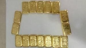 Gold smugglers give residents of an area in Mumbai a bad name