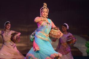 As Hema Malini turns 69, here are  10 best classical dance songs of...