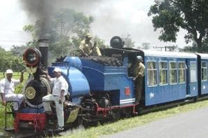 British tourists first to charter Darjeeling toy train after it...