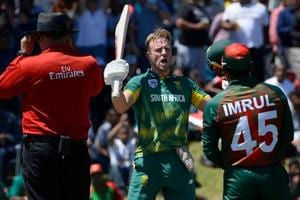 AB de Villiers hits career-best 176 as South Africa notch 353/6...
