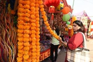 Noida traders claim 50% dip in sales