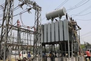 According to the power regulator, discoms are actually never going to run into losses as the 'load growth' or the number of consumers taking power connections is increasing by an average of eight per cent every year in the Capital.