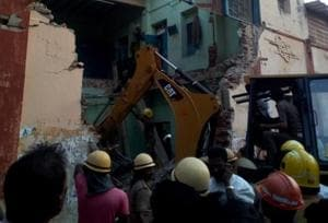 8 killed as portion of Tamil Nadu's transport corporation building...