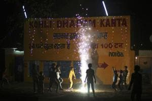 Delhi fire dept gets over 200 calls on Diwali