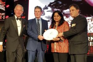 (From left) Television personality Michael Buerk, shadow Brexit secretary Keir Starmer, Manisha Bhasin and Karan Bilimoria, member of the House of Lords, at the Curry Life Awards 2017 in London on Sunday.