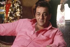 Sanjay Dutt is in high spirits as he poses with 'sister' Sussanne...