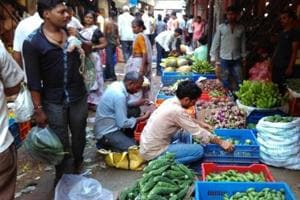Food items sold in open roadside markets in Kolkata contain lead that cannot be removed even by washing them with water, GSI scientists have found out.