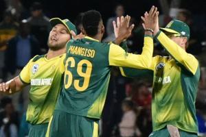 Andile Phehlukwayo stars as South Africa beat Bangladesh by 20 runs in...