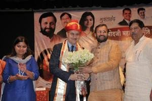 Why can't people stand up for national anthem for 52 seconds: Anupam...