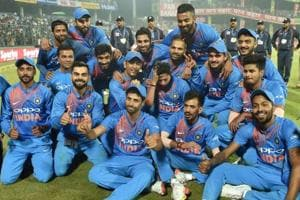 Ashish Nehra given fitting farewell with India win over New Zealand