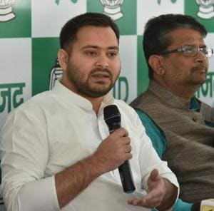 RJD leader Tejashwi Prasad Yadav responding to claims made by JD (U) spokesmen, in Patna on Friday.
