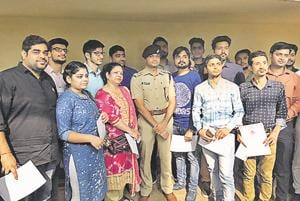 The 'Metro Bravehearts', who were felicitated on Friday, include an unemployed youth, an army colonel, a college student and a businessman.
