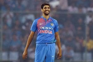 See how Ashish Nehra got cake smeared all over his face during...